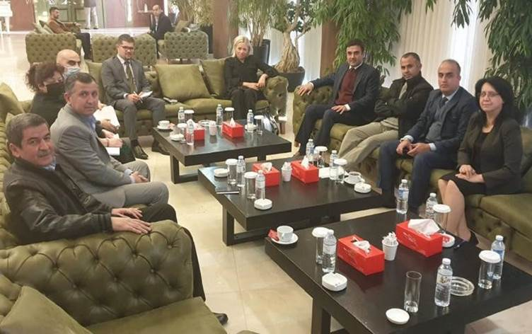 Photo of UNAMI meets journalists and activists arrested in protests